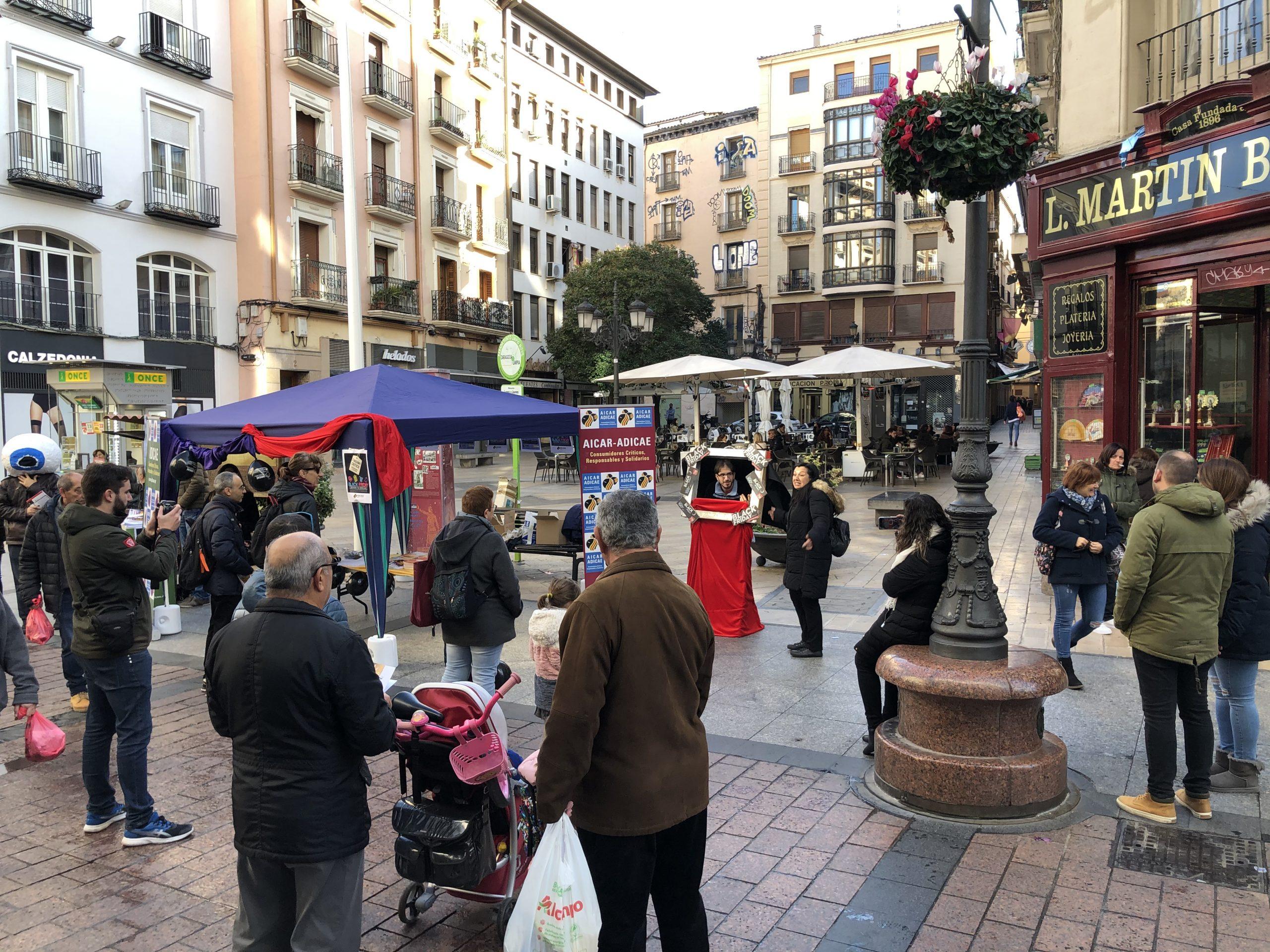 Gran éxito de las movilizaciones de ADICAE contra el Black Friday en toda España